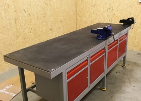 stół dla ślusarza