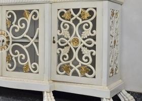 antyczna komoda barokowa biało złota