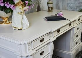 rzeźbione biurko stylowe gabinetowe