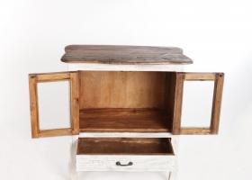stylowy otwarty barek drewniany