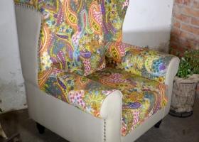 stylowy tapicerowany fotel boho kolonialny