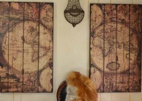stylowy obraz mapa drewniana rama vintage